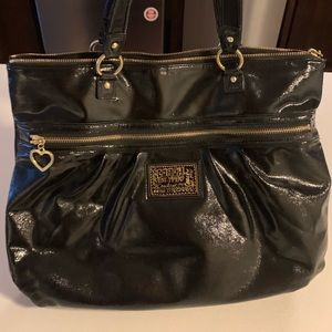 Beautiful Coach Tote! Excellent Company!